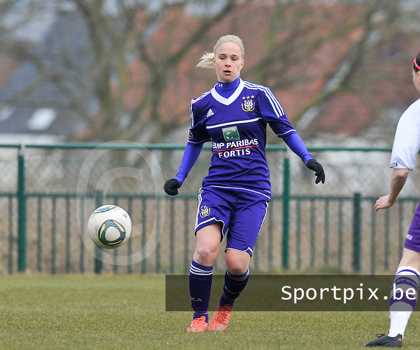 RSC Anderlecht Dames : Stephanie Van Gils.foto DAVID CATRY / Vrouwenteam.be