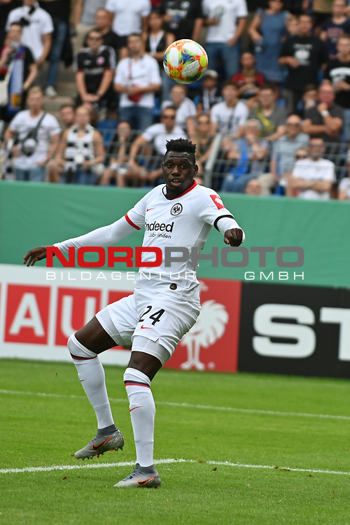 11.08.2019, Carl-Benz-Stadion, Mannheim, GER, DFB Pokal, 1. Runde, SV Waldhof Mannheim vs. Eintracht Frankfurt, <br /> <br /> DFL REGULATIONS PROHIBIT ANY USE OF PHOTOGRAPHS AS IMAGE SEQUENCES AND/OR QUASI-VIDEO.<br /> <br /> im Bild: Danny da Costa (Eintracht Frankfurt #24)<br /> <br /> Foto © nordphoto / Fabisch
