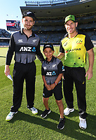 Captains Kane Williamson and David Warner with the ANZ coin toss winner.<br /> New Zealand Black Caps v Australia.Tri-Series International Twenty20 cricket. Eden Park, Auckland, New Zealand. Friday 16 February 2018. &copy; Copyright Photo: Andrew Cornaga / www.Photosport.nz