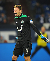 FUSSBALL   1. BUNDESLIGA   SAISON 2012/2013    18. SPIELTAG FC Schalke 04 - Hannover 96                           18.01.2013 Torwart Ron Robert Zieler (Hannover 96) enttaeuscht