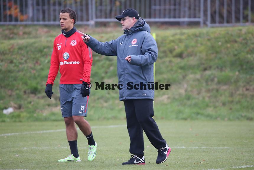Timothy Chandler und Trainer Thomas Schaaf (Eintracht) - Eintracht Frankfurt Training, Commerzbank Arena
