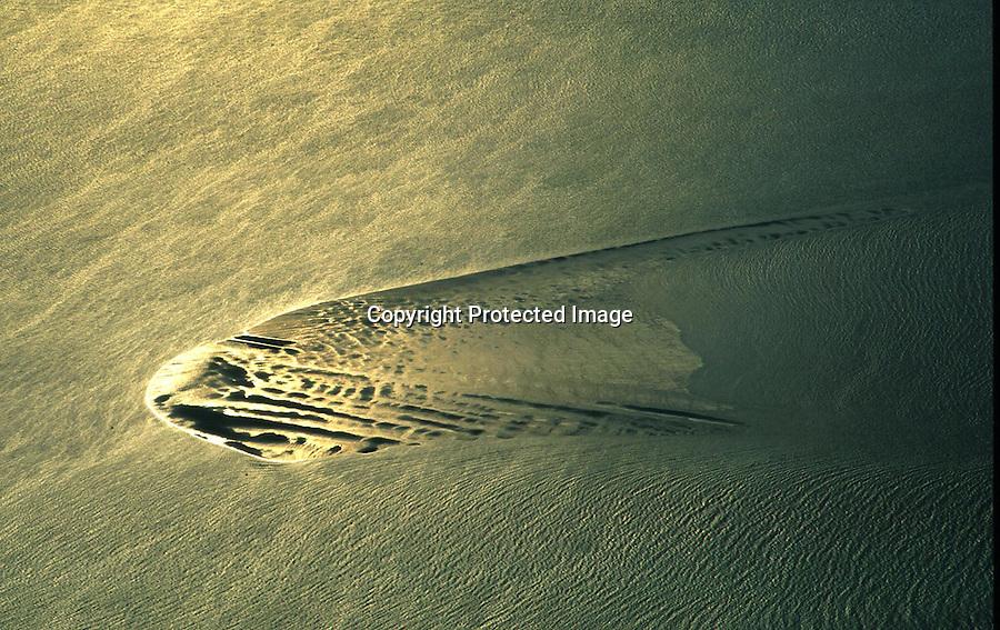 Deutschland, Nordsee, Sandbank, Gold, Wasser, Wellen..c Aufwind.Holger Weitzel.Gertrud- Bäumer Stieg 102.21035 Hamburg.0171 6866069
