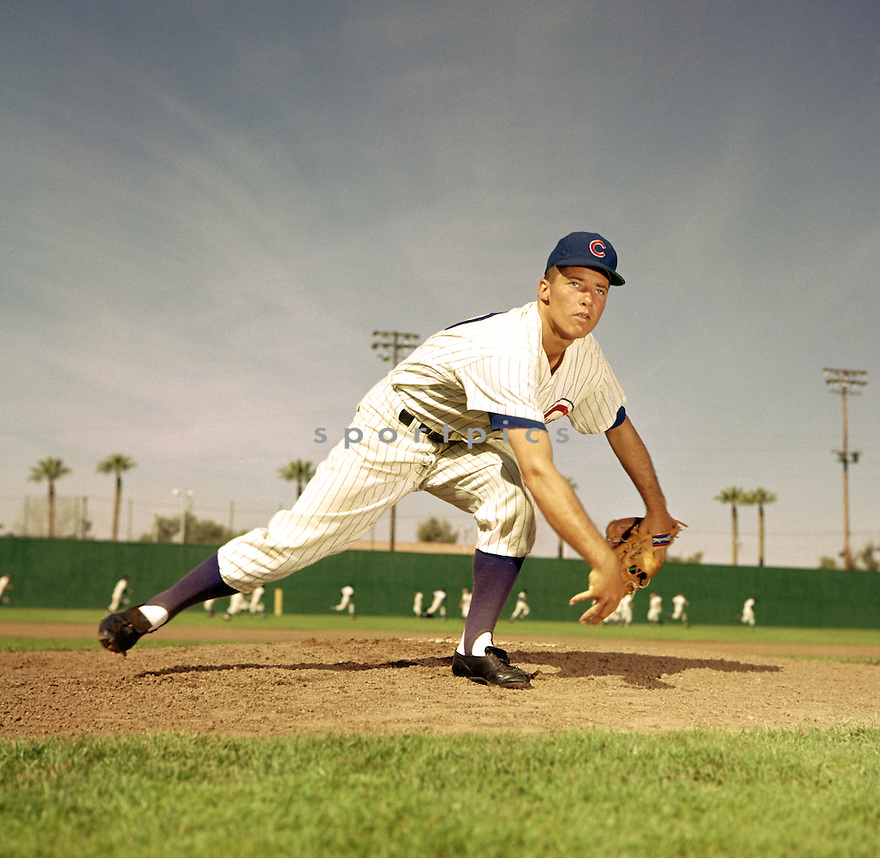 Chicago Cubs Moe Drabowsky (39) portrait from his 1960 season. Moe Drabowsky  played for 17 season, with 8 different teams.(SportPics)