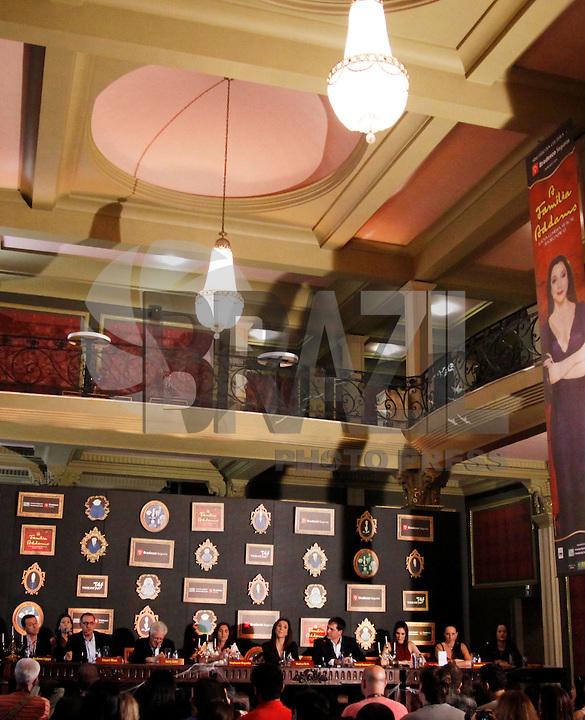 SAO PAULO, SP, 27 DE FEVEREIRO 2012 - COLETIVA FAMILIA ADDAMS  - Coletiva de imprensa do espetáculo A Familia Addams, no Teatro Abril na manha desta segunda-feira, 27. (FOTO: WILLIAM VOLCOV  / BRAZIL PHOTO PRESS).