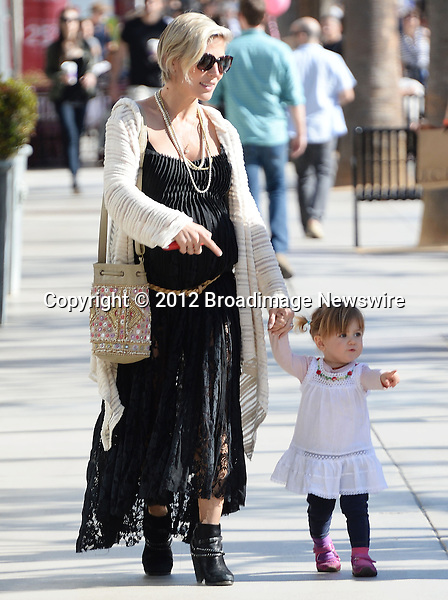 Pictured: Elsa Pataky<br /> Mandatory Credit &copy; Milton Ventura/Broadimage<br /> Pregnant actress Elsa Pataky, daugther India and grandmother out adn about in Santa Monica onValentine's Day<br /> <br /> 2/14/14, Santa Monica, California, United States of America<br /> <br /> Broadimage Newswire<br /> Los Angeles 1+  (310) 301-1027<br /> New York      1+  (646) 827-9134<br /> sales@broadimage.com<br /> http://www.broadimage.com