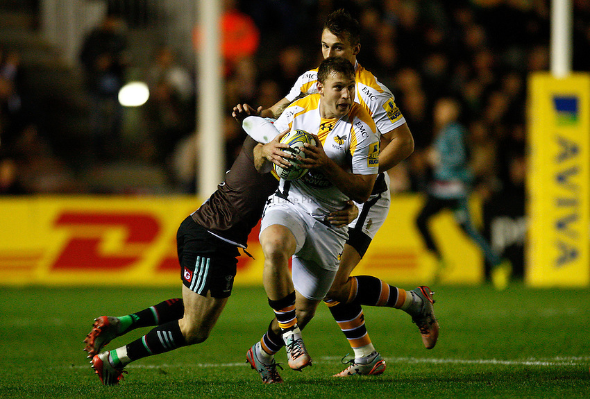 Photo: Richard Lane/Richard Lane Photography. Aviva Premiership. Harlequins v Wasps. 16/10/2015. Wasps' Brendan Macken attacks.