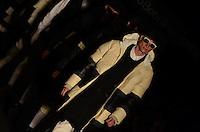 SAO PAULO, SP, 24 DE JANEIRO DE 2012 - SPFW DESFILE ALEXANDRE HERCHCOVITCH - Modelo durante desfile da grife Alexandre Herchcovitch (masc), no ultimo dia da Sao Paulo Fashion Week (SPFW), colecao outono/inverno 2012, na Bienal do Ibirapuera na regiao sul da capital paulista nessa terça-feira (24). (FOTO: ALEXANDRE MOREIRA - NEWS FREE).