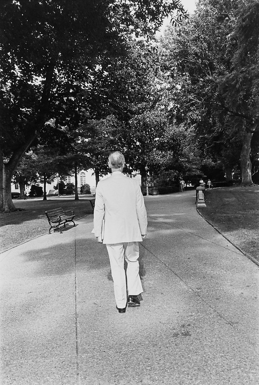 Sen. Slade Gorton, R-Wash., heading back to his Hart office shortly before Senate Summer recess is announced on Aug. 12, 1992. (Photo by Maureen Keating/CQ Roll Call)