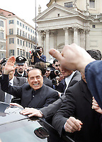 Il leader del Popolo della Liberta' Silvio Berlusconi saluta i suoi simpatizzanti dopo aver presentato il Camper della Liberta' in Piazza del Popolo, Roma, 12 marzo 2008..Leader of the People of Freedom's center-right coalition Silvio Berlusconi, left, waves to sympathizers after presenting the Camper of Freedom in Rome's Piazza del Popolo, 12 march 2008..UPDATE IMAGES PRESS/Riccardo De Luca