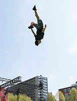 Nederland Rotterdam 2017. Rotterdam Circusstad Festival. Acrobaat. Foto Berlinda van Dam / Hollandse Hoogte