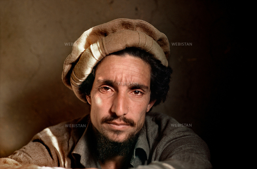 Afghanistan. Panjshir Valley. 1985. Portrait of Commander Massoud (1953-2001) during the Soviet invasion of Afghanistan (1979-1989). <br /> <br /> Afghanistan. Vall&eacute;e du Panjshir. 1985. Portrait du commandant Massoud (1953-2001) pendant la guerre d'Afghanistan (1979-1989).