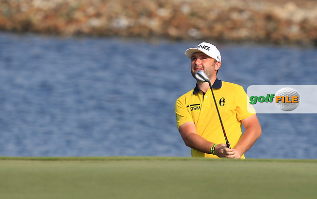 Andy Sullivan (ENG) on the 4th green during Round 4 of the Abu Dhabi HSBC Championship on Sunday 22nd January 2017.<br /> Picture:  Thos Caffrey / Golffile<br /> <br /> All photo usage must carry mandatory copyright credit     (&copy; Golffile | Thos Caffrey)
