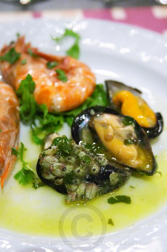Shrimps. Mussels. Restaurant Berdema Ton Gefseon. Drama, Macedonia, Greece
