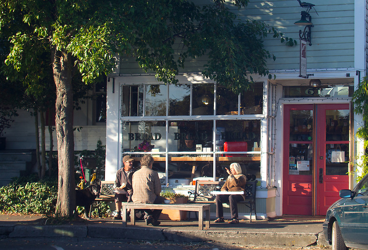 Port Townsend, Pane d' Amore, Artisan Bakery, Uptown neighborhood, Washington State, breakfast crowd, morning,