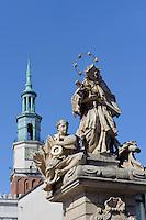 Nepomuk-Statue und Rathausturm am alten Marktplatz (Stary Rynek) in Posnan (Posen), Woiwodschaft Gro&szlig;polen (Wojew&oacute;dztwo wielkopolskie), Polen Europa<br /> St.Nepomuk and townhall-tower at Old Market Place (Stary Rynek) in Pozan, Poland, Europe