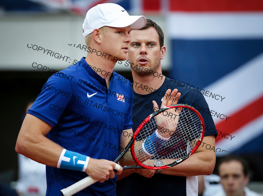 BELGRADE, SERBIA - JULY 15: Kyle Edmund (L) of Great Britain talk with the team captain Leon Smith (R) during the Davis Cup Quarter Final match between Serbia and Great Britain on Stadium Tasmajdan on July 15, 2016 in Belgrade, Serbia. (Photo by Srdjan Stevanovic/Getty Images)