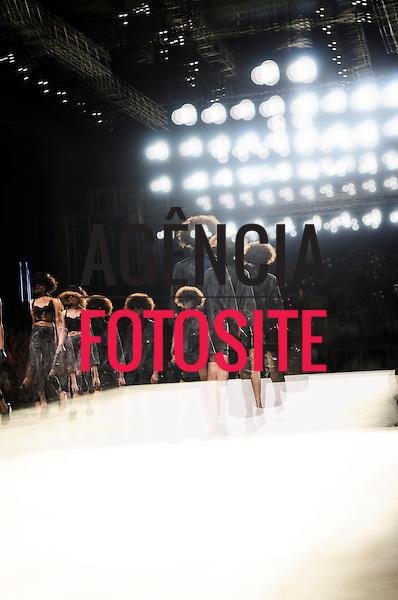 Rio de Janeiro, Brasil – 10/01/2012 - Desfile de Herchcovitch durante o Fashion Rio  -  Inverno 2012. Foto : Gabriel Cappelletti / Agência Fotosite