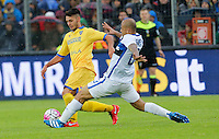 Mirko Gori challenges Felipe Melo  during the  italian serie a soccer match,between Frosinone and Inter      at  the Matusa   stadium in Frosinone  Italy , April 09, 2016