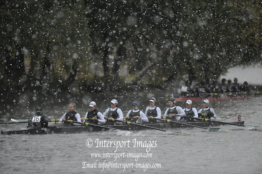 Cambridge, USA, Championships Women's Eights,.W8+, Dartmouth College,  approaching Cambridge BC. during the  2009 Head of the Charles  Sunday  18/10/2009  [Mandatory Credit Peter Spurrier Intersport Images]