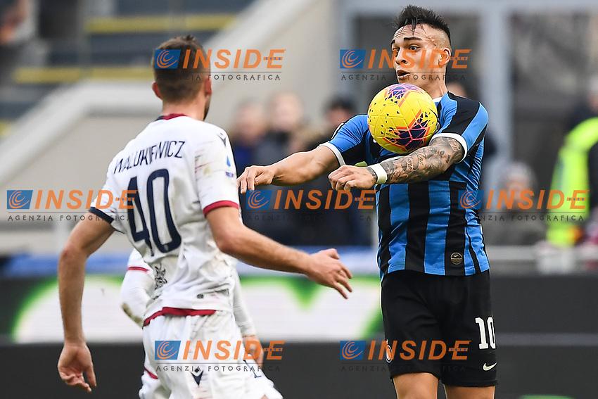 Sebastian Walukiewicz of Cagliari , Lautaro Martinez of FC Internazionale <br /> Milano 26/01/2020 Stadio San Siro <br /> Football Serie A 2019/2020 <br /> FC Internazionale - Cagliari <br /> Photo Image Sport / Insidefoto
