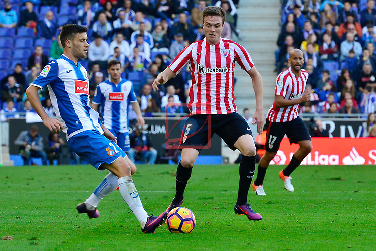 League Santander 2016/2017. Game: 11.<br /> RCD Espanyol vs Athletic Club: 0-0.<br /> Aaron Martin vs Javier Eraso.
