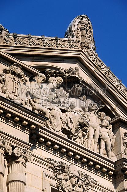 Europe/France/Aquitaine/33/Gironde/Bordeaux: Cour Mably - La Chambre Régionale des Comptes d'Aquitaine place du Chapelet (Détail du fronton)