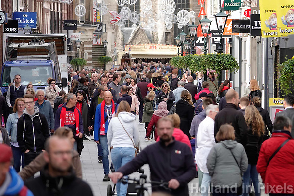Nederland  Alkmaar -  Oktoberr 2018. Winkelen in Alkmaar.   Foto Berlinda van Dam / Hollandse Hoogte