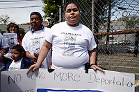 Newark, USA. 07th May 2014. Wendy attend a protest calling for end to deportations of her husband, outside a detention center office in New Jersey. Kena Betancur/VIEWpress