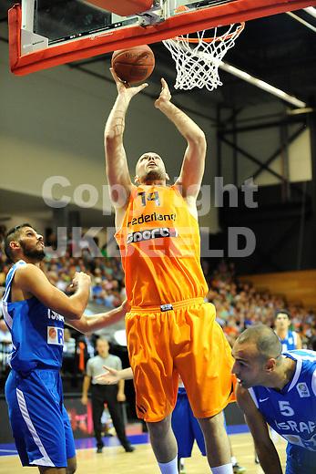 GRONINGEN  Basketbal, Nederland - Israel, Martiniplaza, EK kwalificatie ,  seizoen 2014-2015, 13-08-2014,  score van Nick Oudendag
