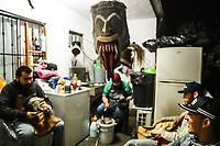 Process of preparation and / or creation of the artisan masks of the Pharisees for the celebration of Holy Week in Hermosillo Sonora. Masks workshop in the courtyard of an ifonavit house in the new Hermosillo subdivision. (Photo: Luis Gutierrez/NortePhoto.com)<br /> <br /> Proceso de preparación y / o creación de las mascaras artesanales de Fariseos para la celebración de la Semana Santa  en Hermosillo Sonora. Taller de mascaras en en patio de una casa de ifonavit en el fraccionamiento nuevo Hermosillo.