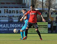 SINT ELOOIS WINKEL SPORT - SC WIJGMAAL :<br /> Lennert De Keukelaere (L) en Antonio Munoz Herrera (R) strijden om de bal<br /> <br /> Foto VDB / Bart Vandenbroucke