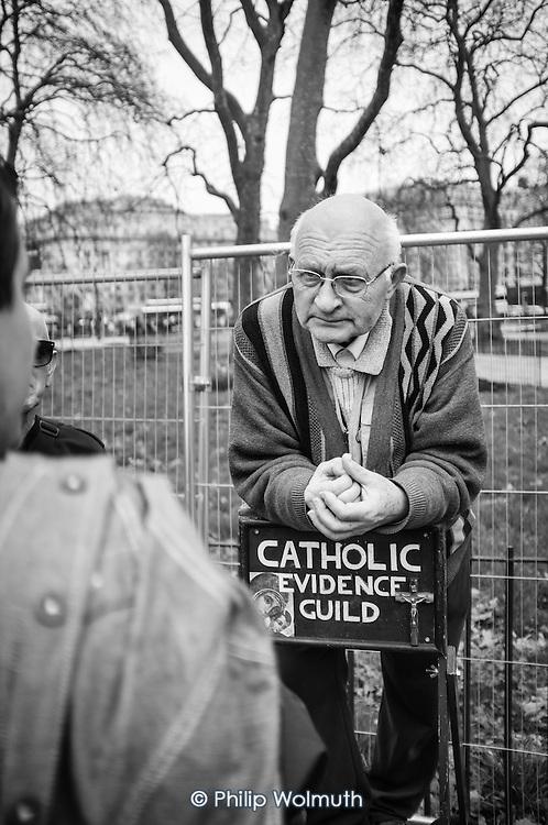Catholic Evidence Guild.  Speakers Corner, Hyde Park, London.