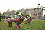 Nel parco della Reggia di Racconigi esposizione di Scultura internazionale, e serate di spettacoli organizzati dal Teatro Regio. Sculture di Yi Hung.