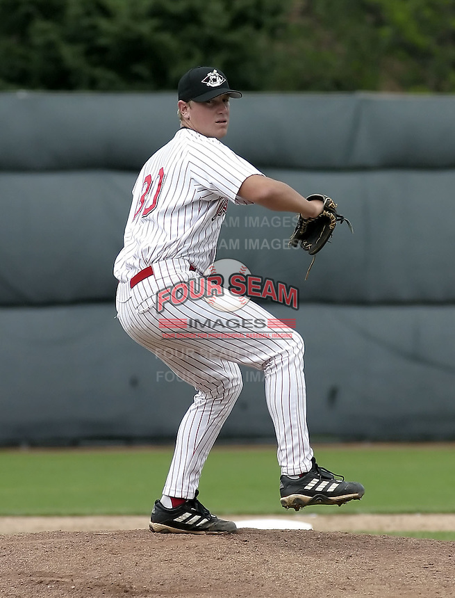 July 14, 2004:  Pitcher Matt Yourkin of the Jamestown Jammers, Single-A NY-Penn League affiliate of the Florida Marlins, during a game at Russell Diethrick Park in Jamestown, NY.  Photo by:  Mike Janes/Four Seam Images