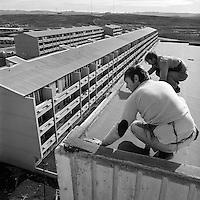 Byggingaframkv&aelig;mdir &iacute; Brei&eth;holti, 1972<br /> <br /> Construction of the new Brei&eth;holt suburb in Reykjav&iacute;k, 1972