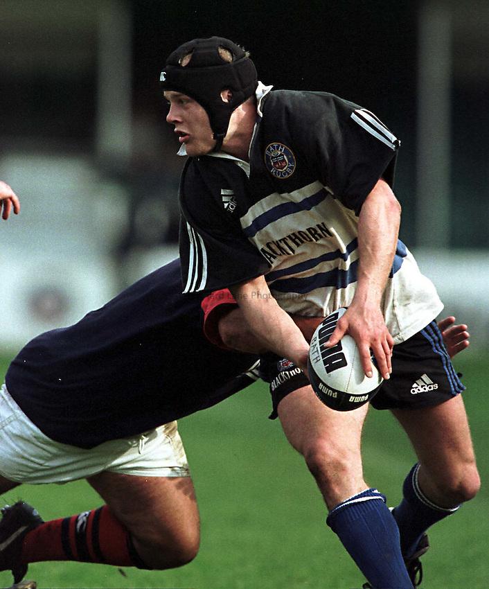 Photo. Richard Lane.Bath v London Scottish. 15/5/99..Russell Earnshaw attacks for Bath in the last game of their season.