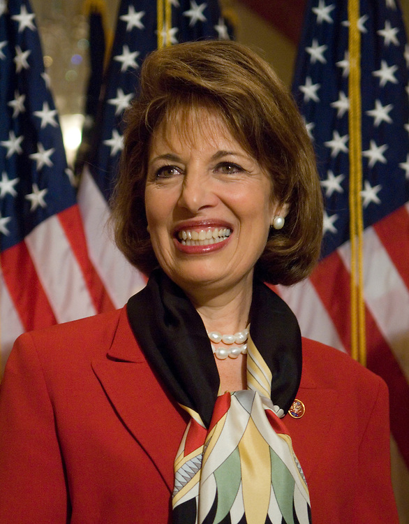 """WASHINGTON, DC - April 10: California Democrat Jackie Speier, during a mock swearing in with Speaker Nancy Pelosi. Speier took her seat in the House Thursday, nearly three decades after she first ran for Congress. Speier, 57, easily won a special election April 8 to fill the unexpired term of House Foreign Affairs Chairman Tom Lantos, 80, who died Feb. 11 of esophageal cancer. She was sworn in Thursday during a brief floor ceremony, bringing the partisan breakdown in the House to 234 Democrats and 198 Republicans. There are three vacancies. """"I was elected to succeed Congressman Lantos. No one will ever replace him,"""" Speier said in her first floor speech.  (Photo by Scott J. Ferrell/Congressional Quarterly)"""
