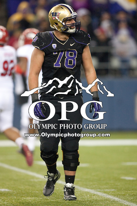 NOV 10, 2012:  Washington's Mike Criste against Utah.  Washington defeated Utah  34-15 at CenturyLink Field in Seattle, WA...