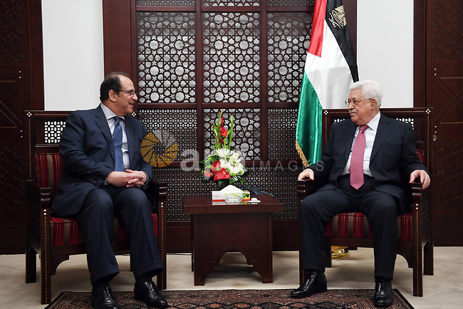 Palestinian President, Mahmoud Abbas, meets with Egyptian Intelligence Director Abbas Kamel in the West bank city of Ramallah, on April 3, 2018. Photo by Thaer Ganaim