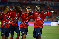MEDELLÍN - COLOMBIA, 17-02-2018: Leonardo Castro (segundo desde Der)  jugador del Medellín celebra después de anotar el segundo gol de su equipo al Deportivo Cali durante el partido entre Independiente Medellín y Deportivo Cali por la fecha 4 de la Liga Águila I 2018 jugado en el estadio Atanasio Girardot de la ciudad de Medellín. / Leonardo Castro (second from R) player of Medellin celebrates after scoring the second goal of his team to Deportivo Cali during match between Independiente Medellin and Deportivo Cali for the date 4 of the Aguila League I 2018 played at Atanasio Girardot stadium in Medellin city. Photo: VizzorImage/ León Monsalve / Cont
