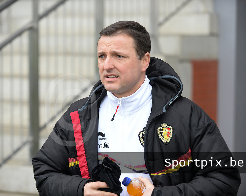 20140208 - OOSTAKKER , BELGIUM : Belgian Coach Ives Serneels pictured during a friendly soccer match between the women teams of Belgium and Poland , Saturday 8 February 2014 in Oostakker. PHOTO DAVID CATRY