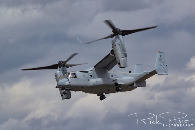 A USMC Bell V-22 Osprey of VMM-161 of the 3rd Marine Aircraft Wing in flight at Hillsboro, Oregon
