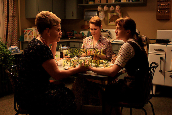 ELISABETH MOSS, MYRA TURLEY, AUDREY WASILEWSKI<br /> in Mad Men (Season 2)<br /> *Filmstill - Editorial Use Only*<br /> CAP/FB<br /> Image supplied by Capital Pictures