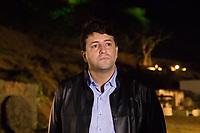 SANTANA DO PARNAÍBA - SP - 14.04.2017 - VIA-SACRA- O Prefeito Elveis Cezar comparece ao espetáculo da Drama de Paixao 2017 na barragem Edgar de Souza, na noite desta sexta-feira (14).<br /> (Foto: Fabricio bomjardim / Brazil Photo Press)
