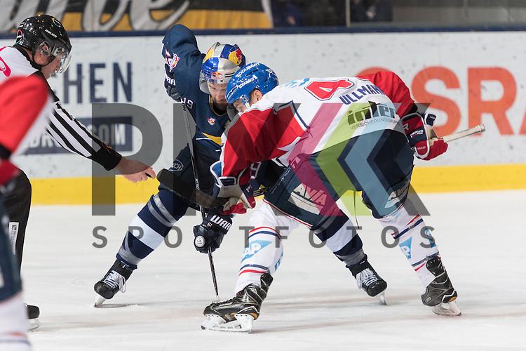 Im Bild Jon MATSUMOTO (EHC Red Bull M&uuml;nchen, 19), Christoph ULLMANN (Adler Mannheim, 47) Bully  beim Spiel in der DEL, EHC Red Bull Muenchen (blau) - Adler Mannheim (weiss).<br /> <br /> Foto &copy; PIX-Sportfotos *** Foto ist honorarpflichtig! *** Auf Anfrage in hoeherer Qualitaet/Aufloesung. Belegexemplar erbeten. Veroeffentlichung ausschliesslich fuer journalistisch-publizistische Zwecke. For editorial use only.