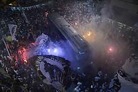 SANTOS,SP, 26.07.2017 - SANTOS-FLAMENGO – Ônibus do Santos chega para a partida contra o Flamengo, jogo válido pelas quartas de final da Copa do Brasil 2017, disputada no estádio da Vila Belmiro em Santos, na noite desta quarta-feira, 26.(Foto: Levi Bianco/Brazil Photo Press)