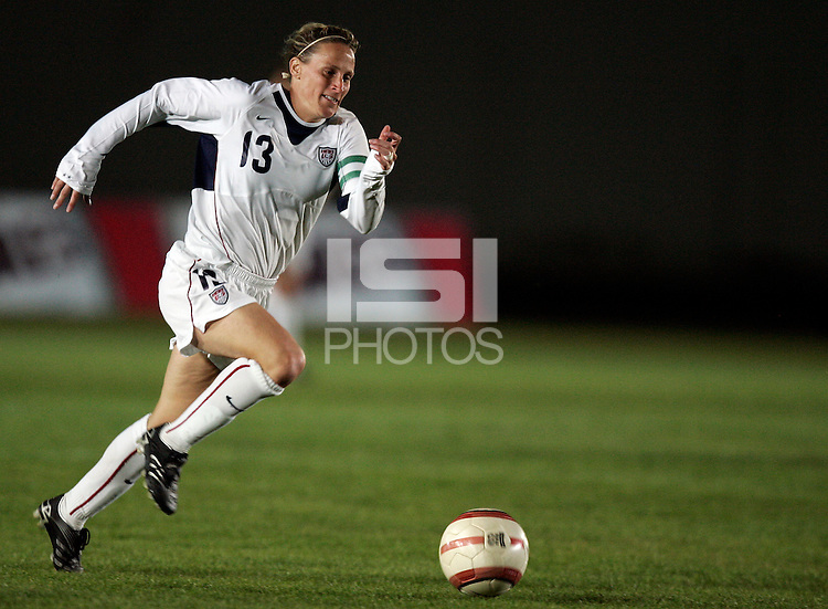 Kristine Lilly runs with the ball at the VRS Antonio Stadium in VRS Antonio, March 12, 2007, during the Algarve Women´s Cup soccer match between USA and Sweden. USA won 3-2.