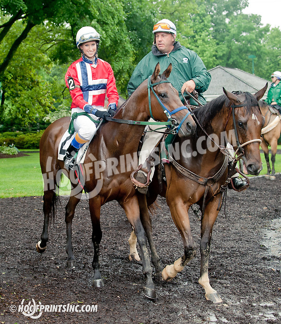 Luckyemail with Silja Storen aboard before The International Ladies Fegentri Race at Delaware Park on 6/10/13