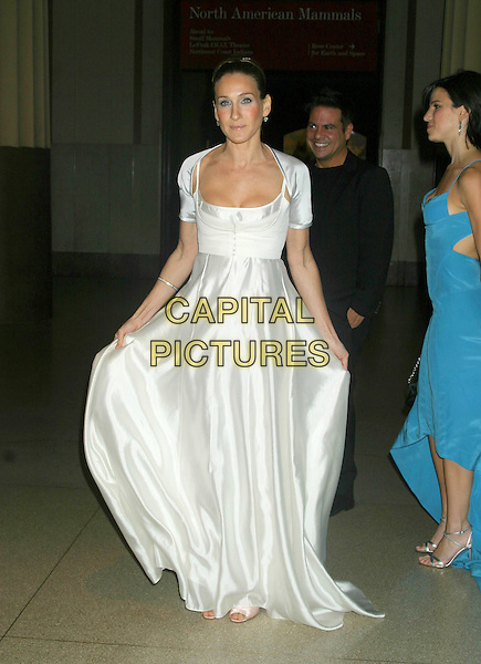 SARAH JESSICA PARKER.The Museum Ball 2004, American Museum of Natural History, New York City..November 17, 2004 .full length, white silk satin dress, flowing, gesture.www.capitalpictures.com.sales@capitalpictures.com.© Capital Pictures