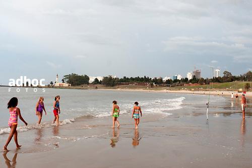 Playa Buceo, Montevideo, 18/02/2011..©RICARDO ANTUNEZ.MONTEVIDEO, URUGUAY..2011